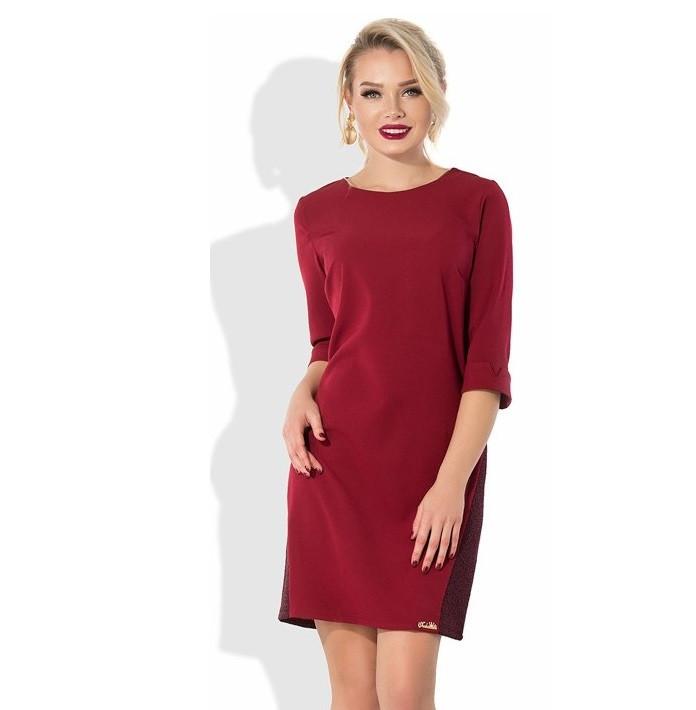 Бордовое прямое платье со вставками неопрен-гипюра