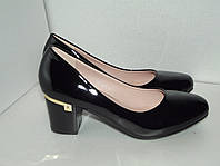 Женские черные лаковые туфли. р. 40(25.5см)