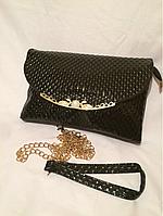 Женский чёрный лаковый клатч