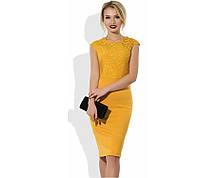 Желтое платье-футляр миди с верхом из гипюра