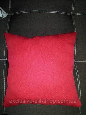 Подушка декоративная красная