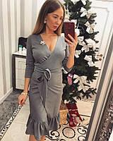 Нарядное вечернее платье на запах с брошью