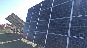 Монтаж солнечной электростанции на регулируемых столах (трекерах). Столы могут регулироваться на разный угол для наибольшей выработки исходя... 12