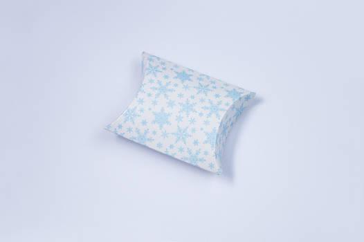 Пирожок Снежинки голубые 5,5х6 см