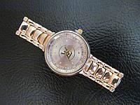 Женские наручные часы Louis Vuitton LV золотистые, Луи Витон
