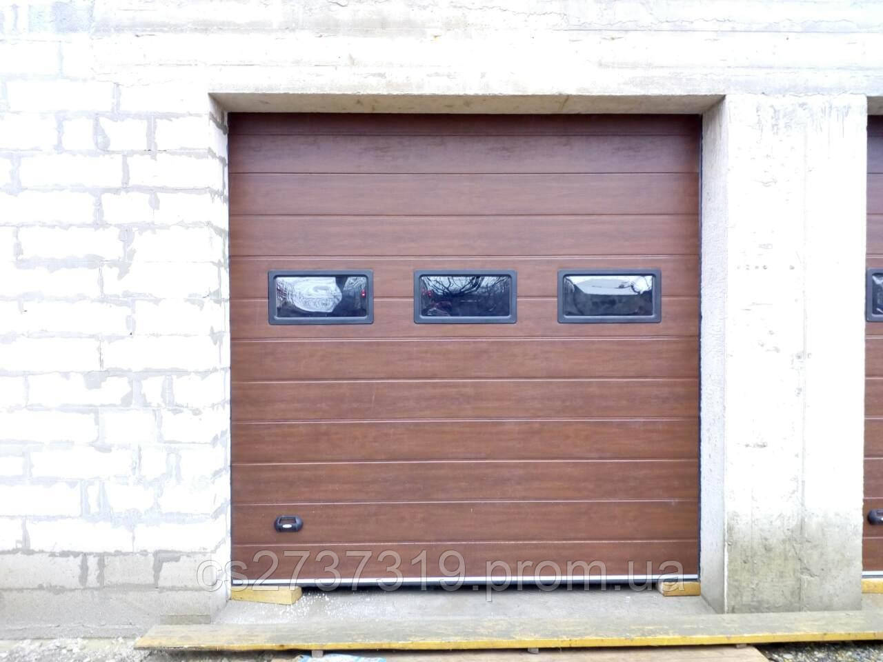 Гаражные секционные ворота  DoorHan 2800*2500, автоматические