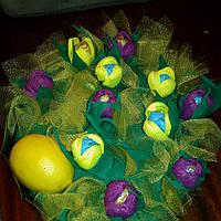 Подарочный набор из конфет, чая и лимона