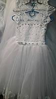 Оригинальное бальное платье с белым кружевным верхом для девочки на праздник