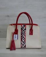 Молодежная женская сумка Кисточка молочная с красной стропой 52007