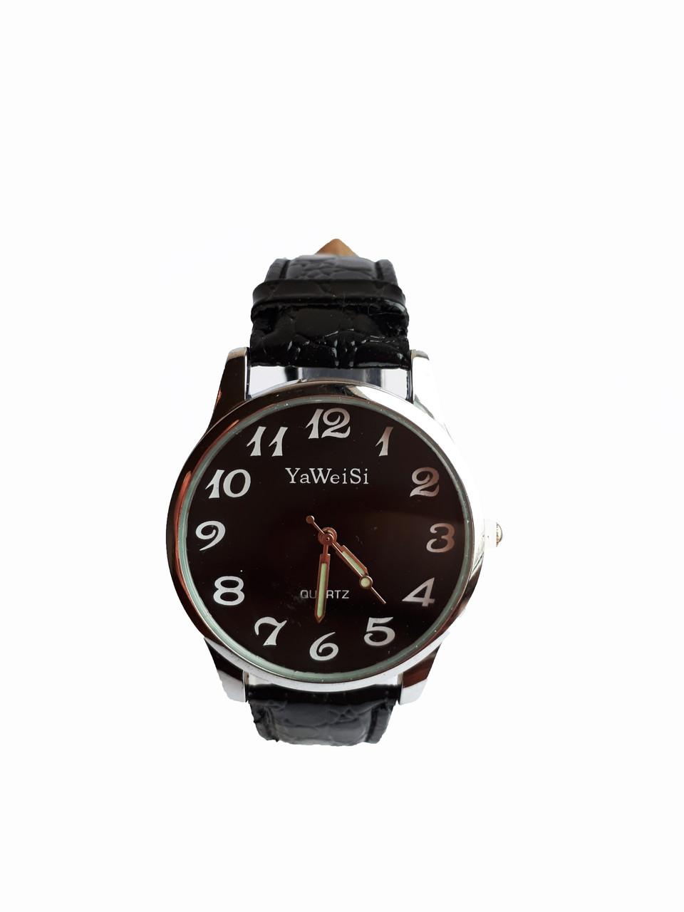 Часы YaWeiSi мужские кварцевые на черном ремешке серебристый, черный