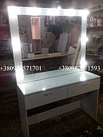 Стол для макияжа со стеклом на столешнице. Модель А60