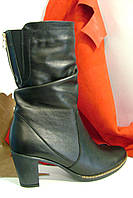 Невысокие сапоги на литом каблуке из натуральной кожи., фото 1