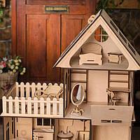 Деревянный домик для куклы с терассой