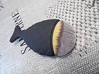 Кисть для макияжа Рыбка черная