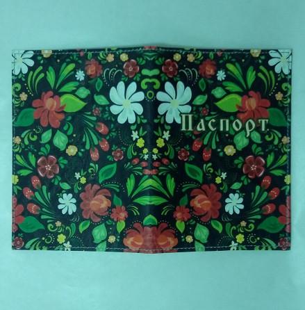 Обкладинка на Паспорт / Квіти червоні і білі на чорному / Кожзам