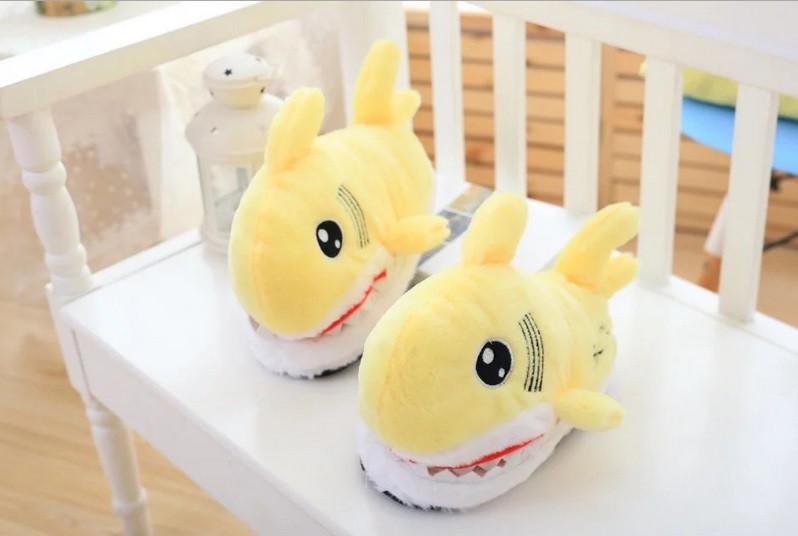 Тапочки-игрушки желтые Акулы