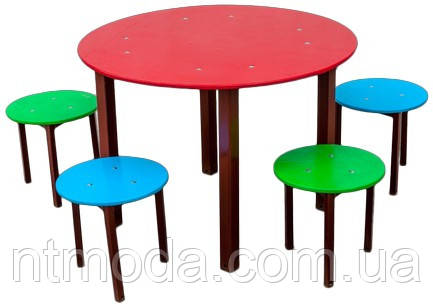 Стол со стульями. С-001-1