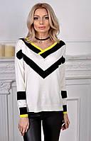 Вязаный женский свитер полосатого принта