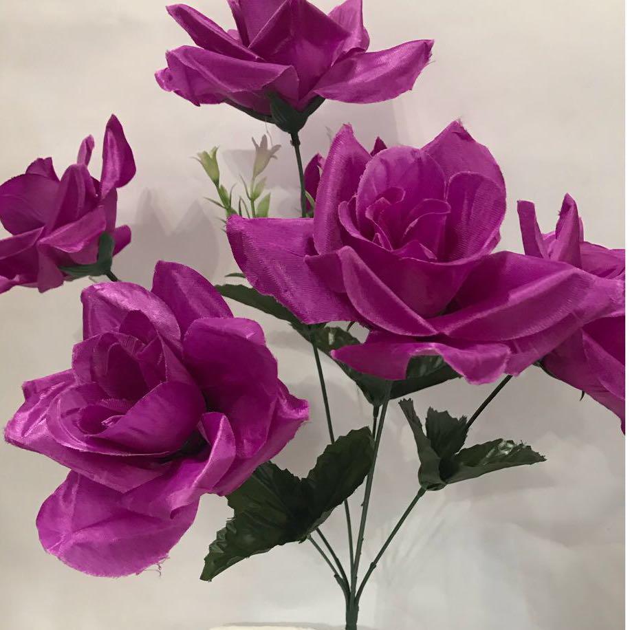 Искусственный букет роза атласная.