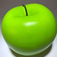 Искусственный фрукт яблоко. Муляж зеленого яблока.