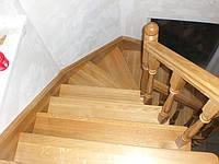 Сходи, сходи з масиву на замовлення: виготовлення та встановлення сходів з дерева