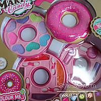 Косметика детская Пончик 3 яруса,тени сухие, кремовые, лак, блеск, помада, в кор-ке, 28,5-30-6,5см