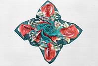 Красочный женский платок