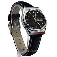 Советские часы Полет с двойным календарем