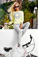 Желто-серый костюм для спорта с аппликацией Gepur 12371