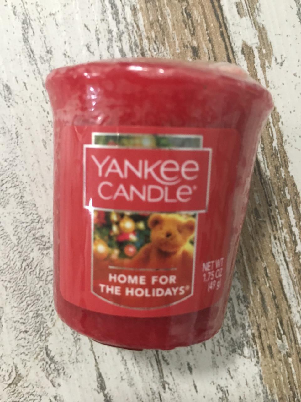 """Аромасвеча """"Дом на праздники"""" Yankee Candle"""