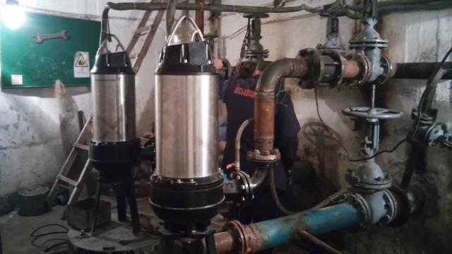Установка канализационных насосов на очистных сооружениях г. Синельниково