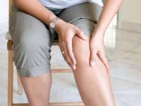 Боль при подагре такая резкая и сильная, что человеку кажется, будто нога попала в капкан