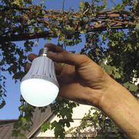 Светодиодная лампа с аккумулятором 7 Вт