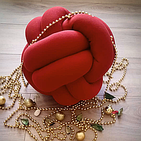 Декоративная подушка узел, красная 25 см