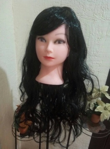 Карнавальний парик довгий з локонами чорний