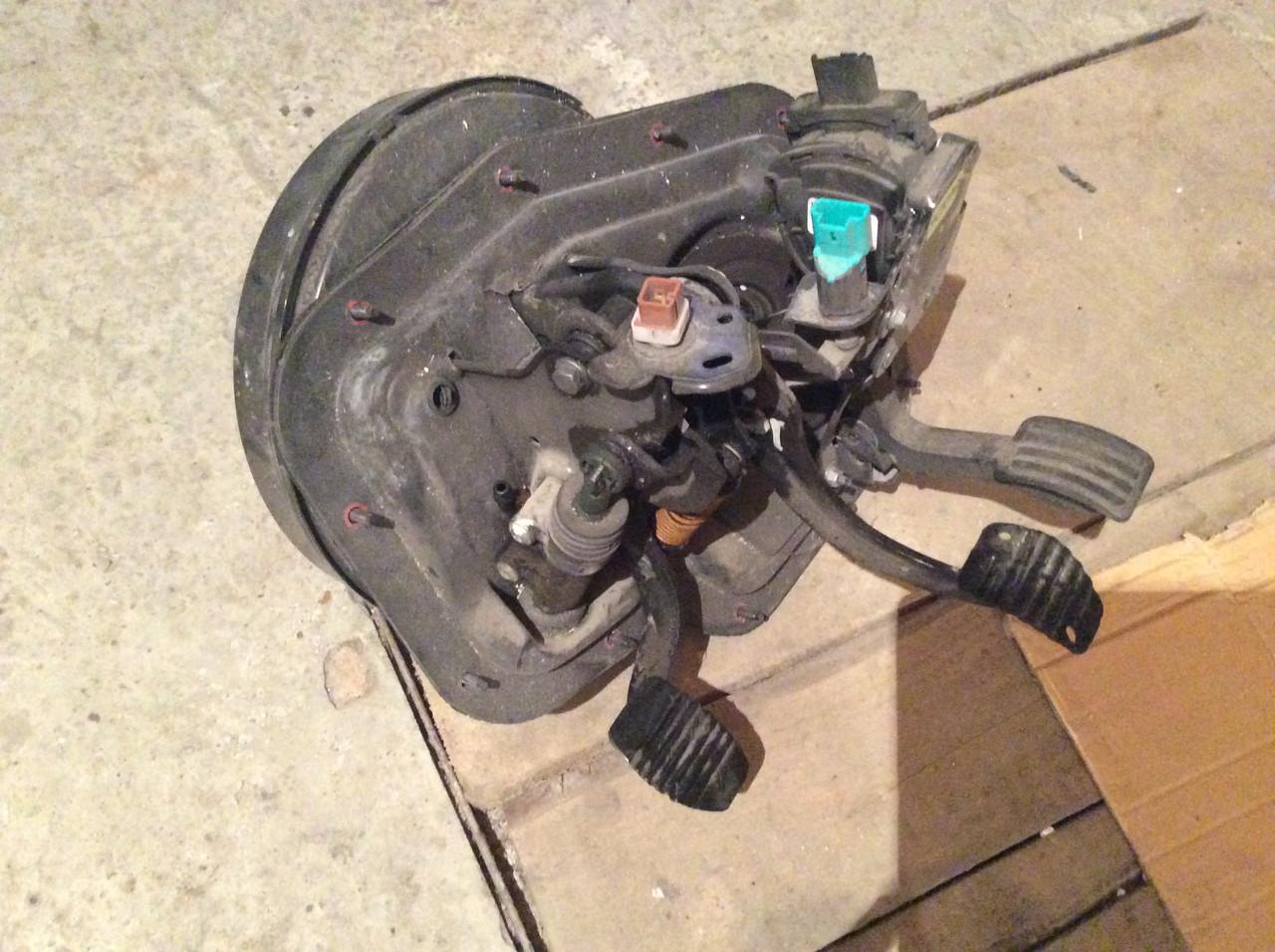 Блок педалей педаль тормоза газа сцепления Fiat Scudo Jumpy Expert 07-