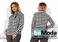 Классическая женская рубашка на пуговицах в клетку черно-белая