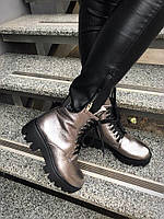 Ботинки Brska. Натур. кожа, внутри шерсть. Высота 15 см, каблук 5 см, спереди 3 см. Р-р 36-40 Цвет серебро