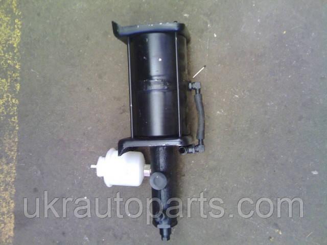 Пневматический усилитель тормозов УРАЛ 4320-31 задний в сборе с бачком (5557-3510011)