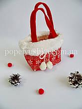 Сумка новорічна з помпонами 17*10 см червона