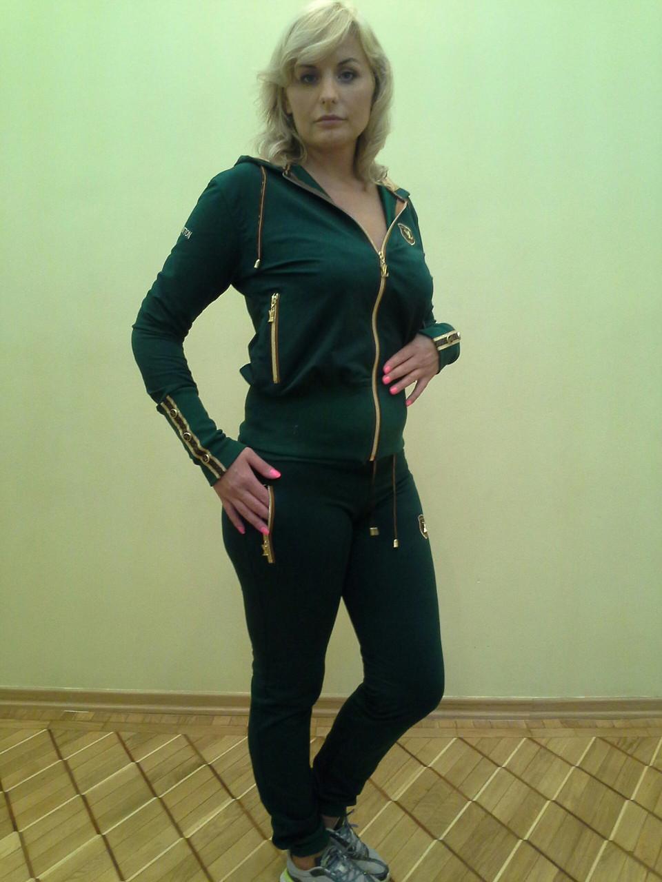 Молодежные спортивные костюмы женские