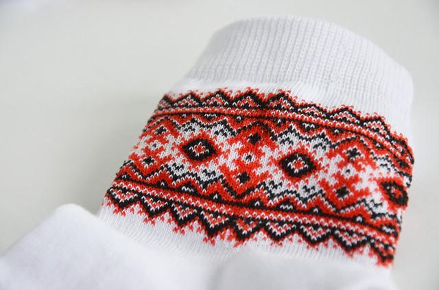 вязаные детские носки с орнаментом