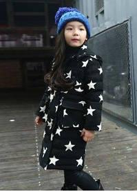 Детская стильная зимняя длинная куртка пуховик парка со звездами