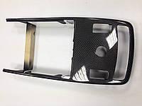 Карбоновая накладка + жалюзи-шторка на центральный задний подлокотник W221 MPdesign