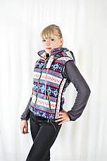 Модная жилетка женская с карманами и капюшоном, фото 2