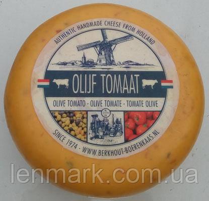 Сыр голландский авторский Berkhout Olijf Tomaat томаты и оливки, 1шт