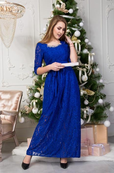 Шикарное платье в пол из королевского гипюра