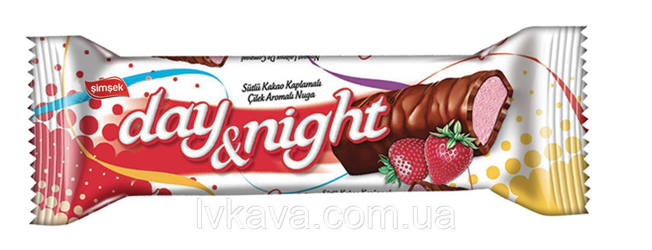 Шоколадный батончик Day Night with Strawberry  Simsek , 22 гр
