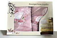 Комплект подарочный из двух полотенец №М-3