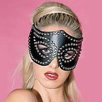 Чорна карнававльная маска кішки